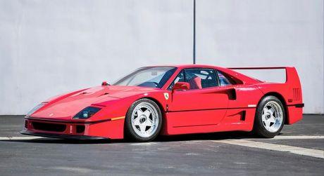 Sjældne biler på auktion.. jp.dk - Når den stejlende hingst pryder luksusbilen, går man aldrig helt galt i byen. Denne Ferrari F40 har kun 5000 miles på speedometeret og er vurderet til et beløb i omegnen af 8 mio. kr. Foto: RM Auctions #ferrari #cars #biler