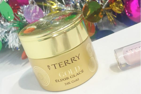 Luxury gifts for her, By Terry Gold Elixir Glace #luxury #makeup #byterry #gold #giftsforher #antiaging #makeupartist #atlantabeautyexpert #holiday