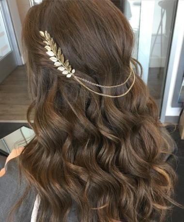 Hair chain Boho chic chains and leaves hair comb Free spirited glamour Chain hangs beautifully on loose waves or a high bun Ships within 1-3 business days Arrives in a lovely Eco-friendly packaging.