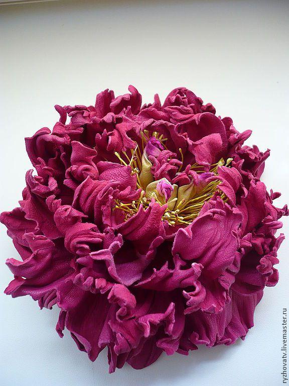 Купить цветы из кожи. брошь-пион. - брошь-цветок, цветок из кожи, натуральная кожа, фуксия