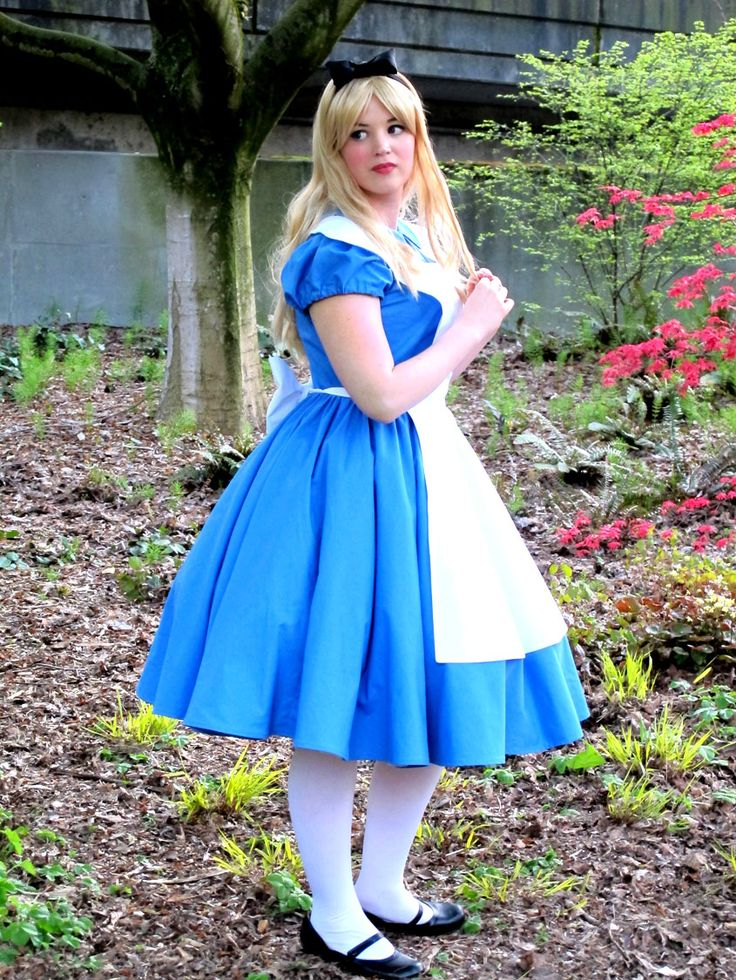 17 Best ideas about Alice And Wonderland Costumes on ...