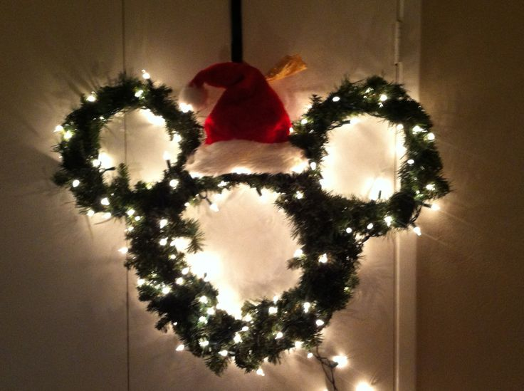 Hand made Mickey Mouse wreath!!  #madebyJenn
