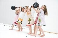 kleidsam - Kamaeleon recycling fashion for children. i love these dresses