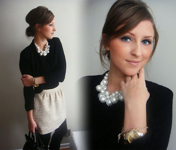 Holiday outfit! skirt and pearls, keeping it classic and simple.