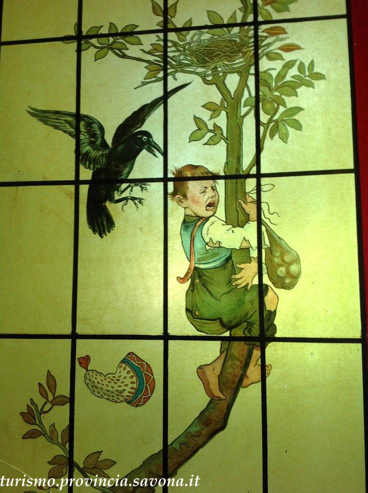 Scorcio di vetrata liberty a Villa Rosa