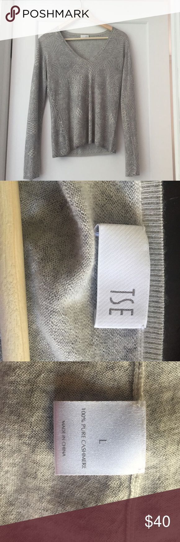 TSE Cashmere sweater Slightly used in great condition 100% cashmere sweater. TSE Sweaters V-Necks