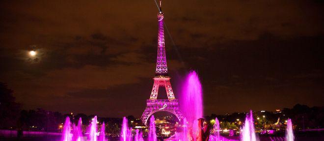 Lutte contre le cancer du sein : ce soir, la tour Eiffel sera rose - Le Point
