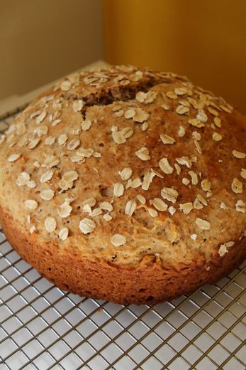 Quick no-yeast whole grain bread  http://www.saltandpaprika.com/2011/06/22/baby-countdown-1-quick-no-yeast-whole-grain-bread/comment-page-1/