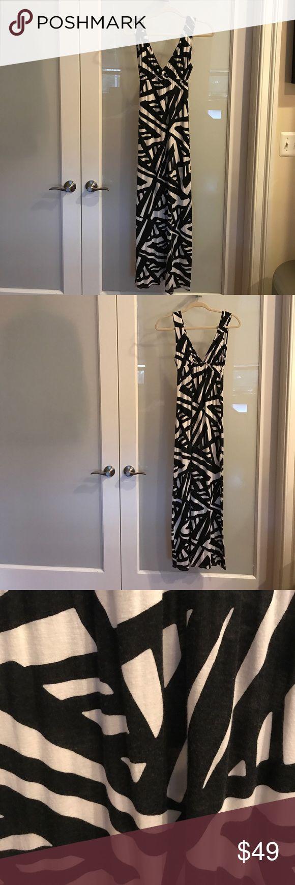 Aqua Black and White Maxi Dress Black & white maxi dress Size Medium Lightweight and comfortable Aqua Dresses Maxi
