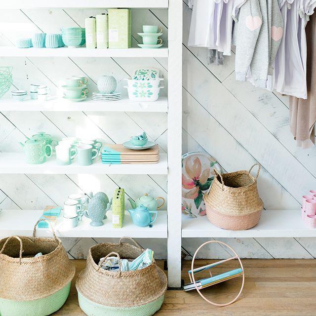 Pastel Thursday at the shop!  ....................... Jeudi tout en pastel à la boutique!  #monvestibule