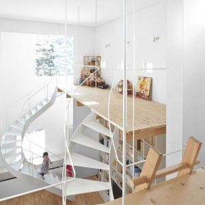 Jun+Igarashi's+Case+house+comes++with+two+twisting+staircases