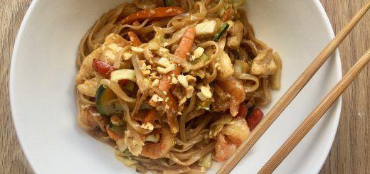 Pad Thai con Pollo y Camarones – Tallarines estilo oriental