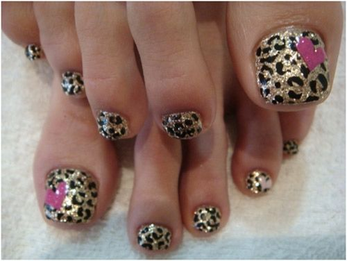 12 Toe Nail Art Ideas- Leapard print glitter toes with pink hearts