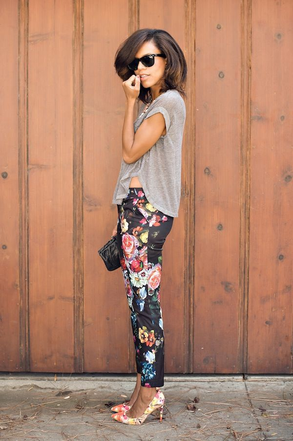 florals squared ootd f/ urban outfitters grey top, ted baker floral pants, prima donna necklace and ivanka trump floral pumps http://www.grasiemercedes.com/outfit/florals-squared/