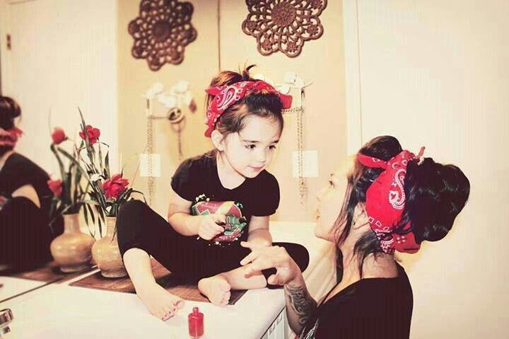 Rockabilly mom and daughter