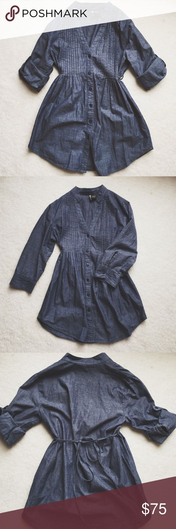 Vintage soft denim babydoll blouse ⋈ Soft babydoll button down top ⋈ Sleeves can be worn rolled up or down as shown ⋈ Brand is Passport ⋈ Price is negotiable! Vintage Tops Button Down Shirts