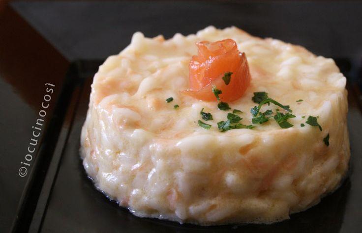 Risotto al salmone e scamorza | Ricetta primo di pesce | San Valentino