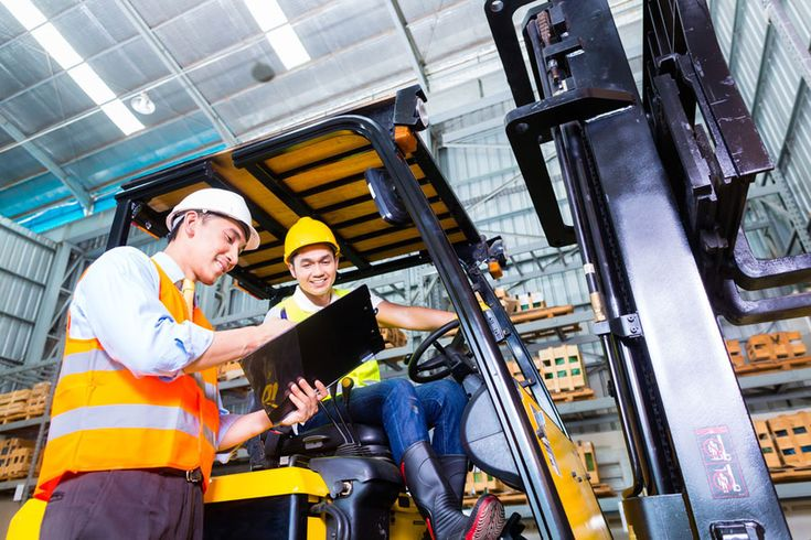 Forklift Operator Job Description: Driver's Duties & Responsibilities http://forkliftlabs.com/forklift-operator-job-description/  #forklift #forkliftcertification #forklifttraining #forkliftlicense #OSHA #forkliftlabs #safety