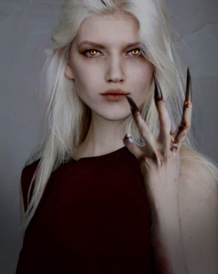 Manon. Wish I could do that for halloween,but dark hair