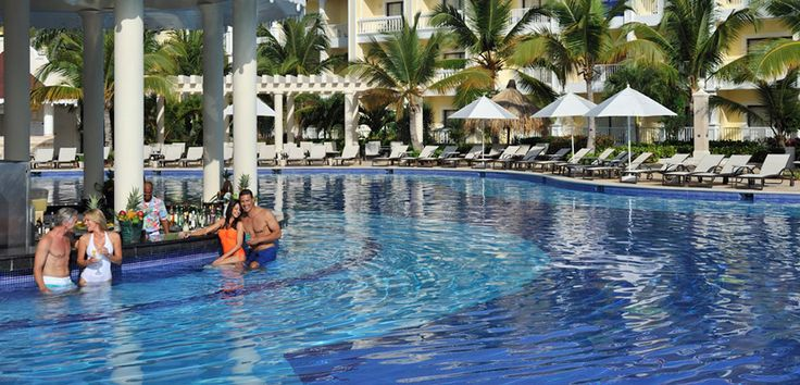 Pool in Luxury Bahia Principe Esmeralda - Punta Cana