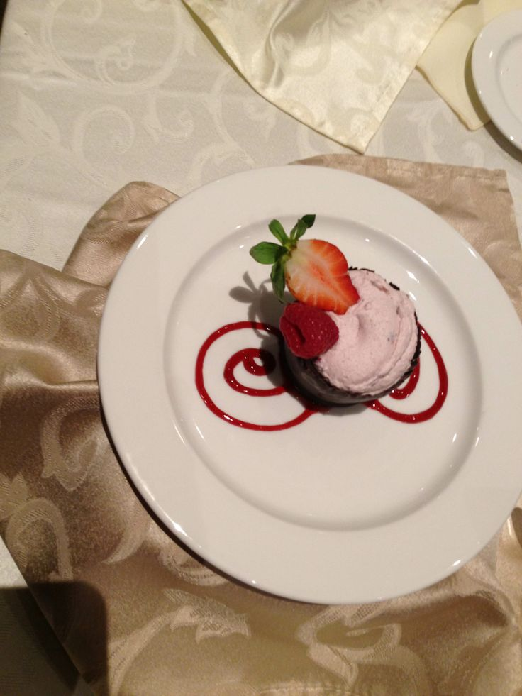 Copetown Woods Wedding Tasting - Amazing mousse in a chocolate cup