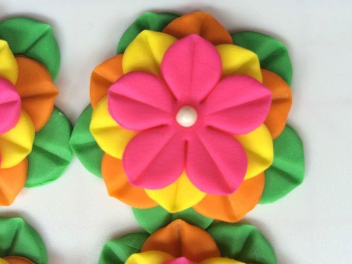 12 pink fiesta Hawaiian tropical edible fondant flowers cupcake cake toppers rose decoration wedding Easter quinceneara flores cinco de mayo by InscribingLives (19.99 USD) http://ift.tt/1O5ToMh