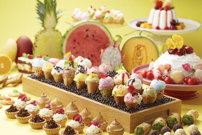 ザ・リッツ・カールトン大阪がひんやりデザートの期間限定アフタヌーン ブッフェを開催。