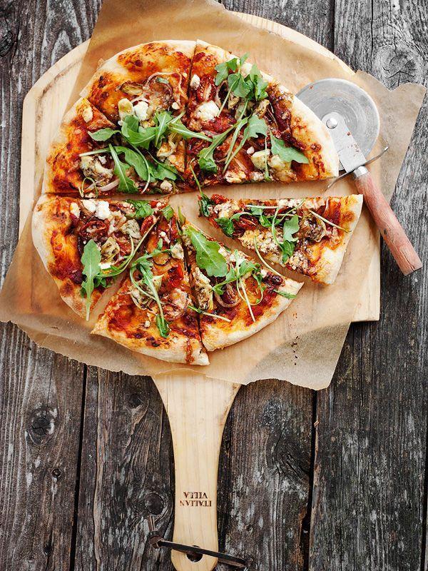На кухне с Дашей: 5 вариантов самой вкусной домашней пиццы http://the-pled.ru/?p=19204