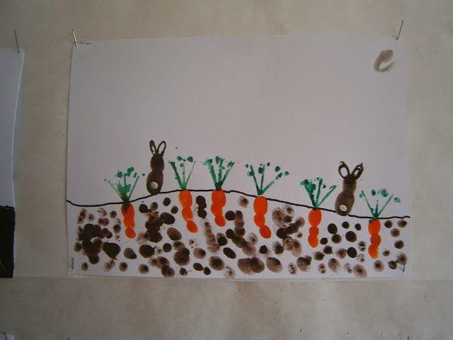 Záhon mrkví- obtisky prstů.