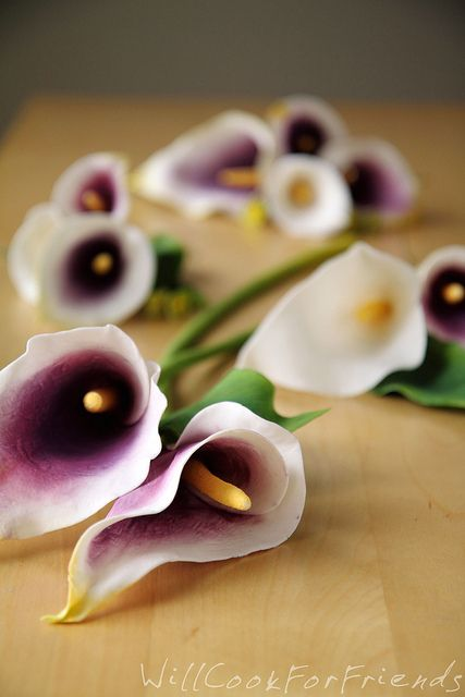 How To Make Gumpaste Calla Lilies - wedding cake, here I come! - Will Cook For Friends