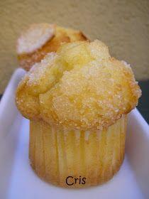 Ingredientes:  1 mandarina 200gr. de azúcar 200gr. de aceite de girasol 220gr. de harina de repostería 2 huevos 2 claras 1 sobre de levadur...