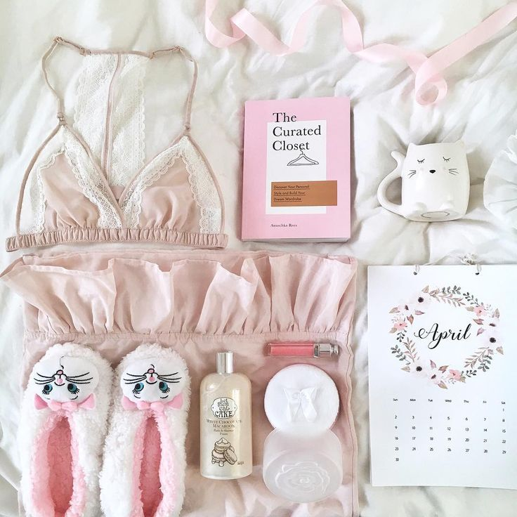 """210 Likes, 7 Comments - @cheyannesorelle on Instagram: """"Kitties, pink and pretties all in one flat lay  Some cute bits and bobs ive bought recently! What…"""""""
