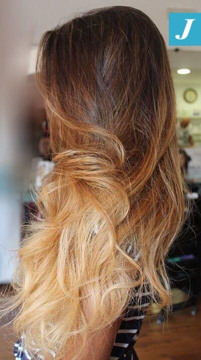 Voi esprimete un desiderio e gli hairstylist CDJ lo realizzeranno per voi!  #cdj #degradejoelle #tagliopuntearia #degradé #igers #naturalshades #hair #hairstyle #haircolour #haircut #longhair #ootd #hairfashion