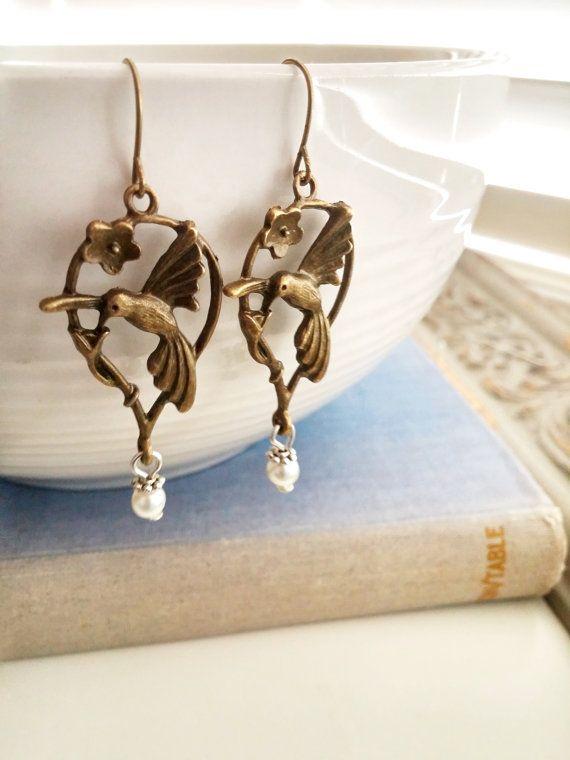 Humming bird  Earrings Bronze dangled earrings by 4Everinstyle