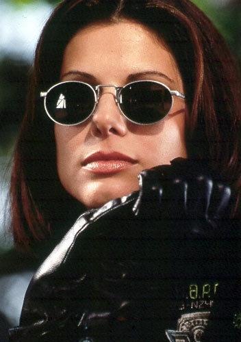 Sandra Bullock... Lt. Lenina Huxley - Demolition Man