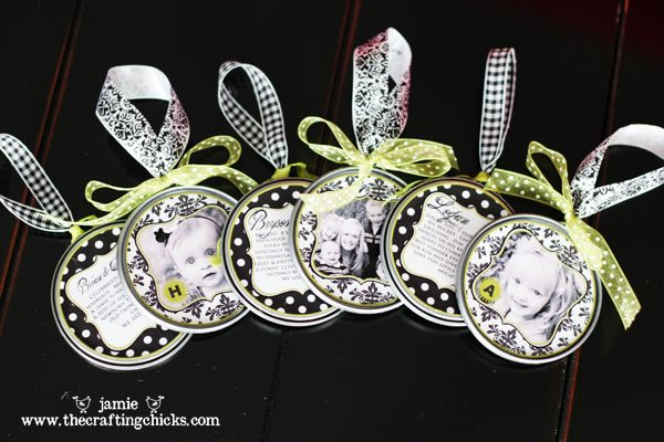 Photo ornaments made from juice lids @craftingchicks