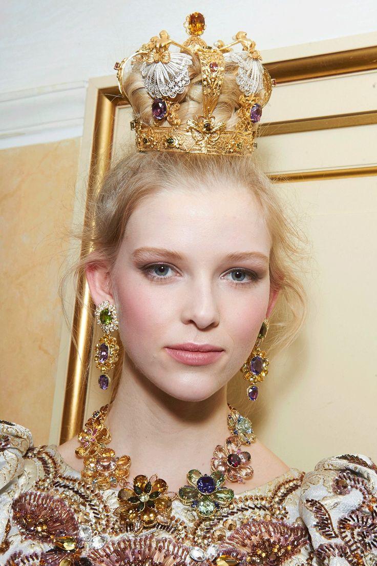 best dolce u gabbana tiara images on pinterest crowns dolce
