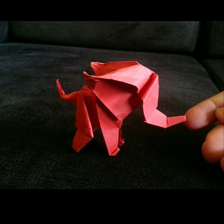 Little red elephant.   by 'delice'