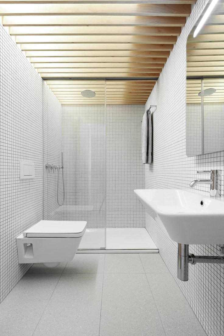 Image 12 of 15 from gallery of Apartment Refurbishment in Pamplona / Iñigo Beguiristain. Photograph by Iñaki Bergera