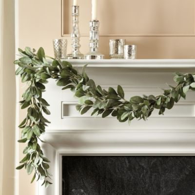 Our Lambs Ear & Berry Garland is a soft, all-season alternative to traditional holiday greenery. Crafted to be extra full and studded with tiny bright white berries for eye-catching contrast.