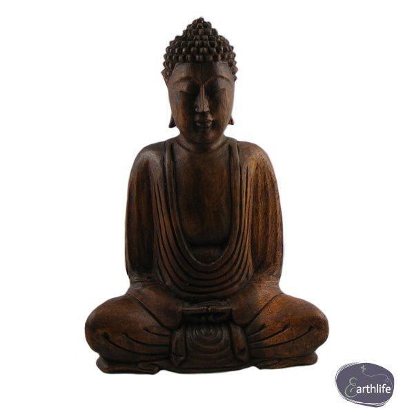 Fairtrade Boeddha Suar van hout, handgemaakt in Indonesië. Voor €24,95.