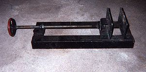 Welding Vise by Bruce Bauerlein -- Homemade portable welding vise fabricated from scrap angle iron and steel stock. http://www.homemadetools.net/homemade-welding-vise