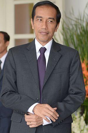 インドネシア最大野党、闘争民主党の大統領候補に決まったジョコ・ウィドド・ジャカルタ特別州知事=1月28日、ジャカルタ(AFP=時事) ▼14Mar2014時事通信|最有力候補が出馬へ=インドネシア大統領選 http://www.jiji.com/jc/c?g=int_date1&k=2014031400861 #Indonesia #Joko_Widodo
