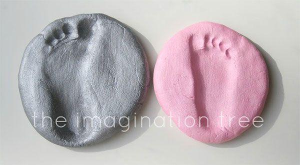 Lavoretto con pasta di sale: le impronte dei piedi