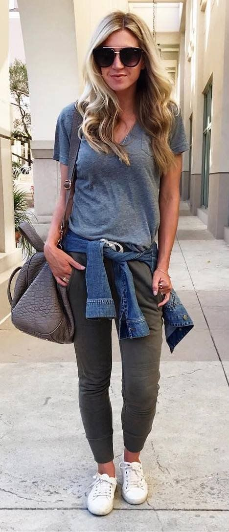 casual style addict: tee + bag + pants + sneakers