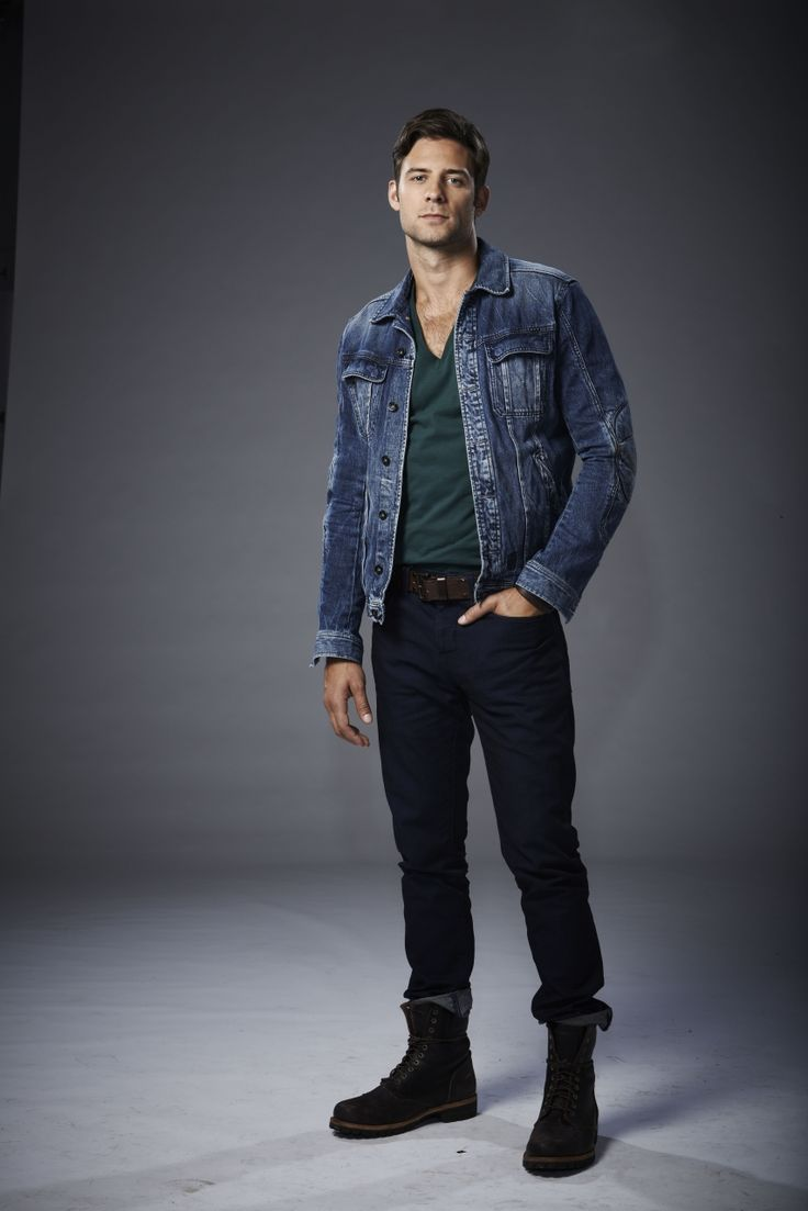 """Steve Lund as Nick Sorrentino from """"Bitten"""""""