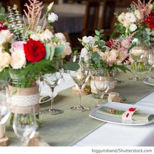 Hochzeitsfeier zu Hause Tipps, wie Sie Ihre Hochzeit schön zu Hause feiern