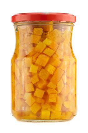 Eingekochter Kuerbis im Glas