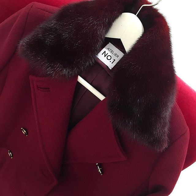 Шикарное пальто винного цвета из кашемира с воротником из норки в тон. ----- 📩для заказа: +79217761216 (what's app), ateliernumber1@gmail.com  #ателье #ательемск #ательеспб #пошив #пошивплатья #портной #платье #швея #юбка #ткани #шелк #atelier  #fashion #style #trendy #dress #couture #hautecouture #tailor #sewing #назаказ #пальто  #кашемир #шерсть #wool #cashmere #кружево  #solstiss