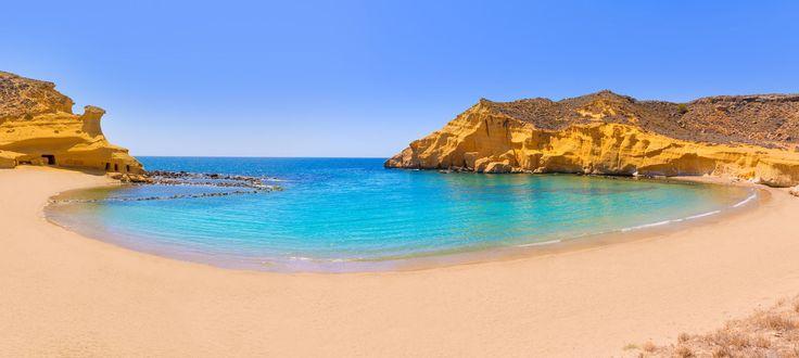 Playa de Cocedores. Entre Almería y la Región de Murcia.